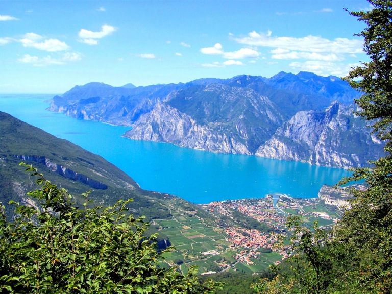 italy-lake-garda-wikimedia